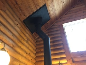 薪ストーブの煙突設置工事