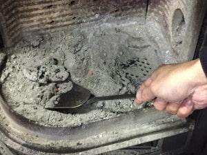 薪ストーブの焚き付け方法