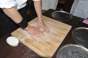 薪ストーブでピザ焼き