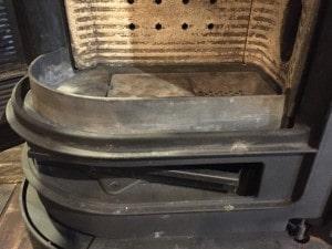 薪ストーブの灰受け皿