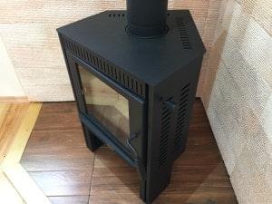 木目調タイルの炉台