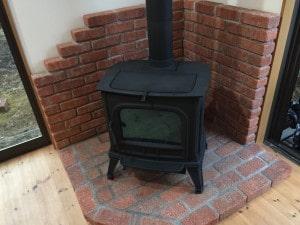 薪ストーブの炉台・炉壁レンガ