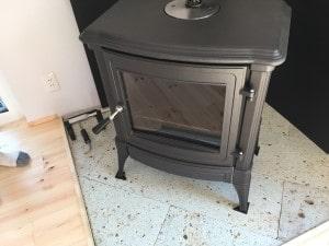 薪ストーブの炉台と重さ