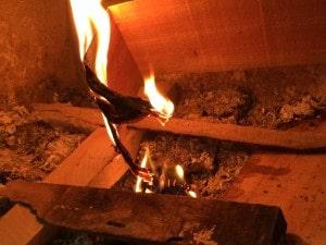 薪ストーブの火の付け方