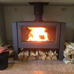 薪ストーブのタイル炉台