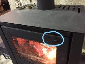 薪ストーブ空気調整レバーと燃焼