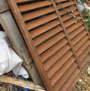 薪ストーブに建築廃材